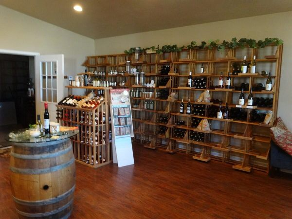 Vines on the Rocks gift shop