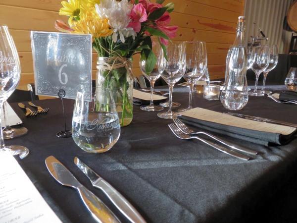 Kuhlman table setting