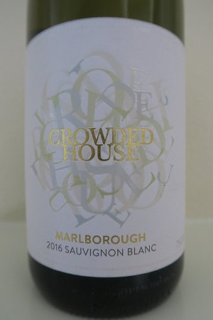 Crowded House Sauvignon Blanc front label