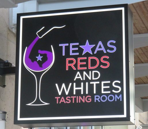 Texas Reds and Whites Sign