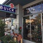 Becker Vineyards – Main Street