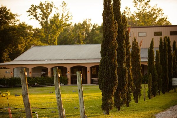 Los Pinos Ranch Vineyards building