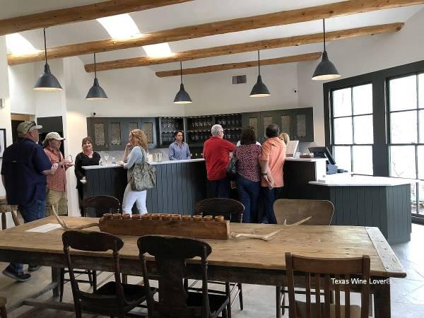 Signor Vineyards tasting room - inside