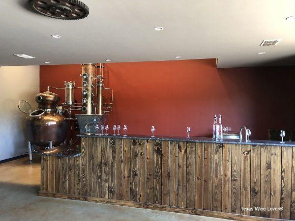 Azeo Distillery tasting bar