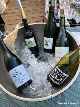 Pop-up wine bar wines