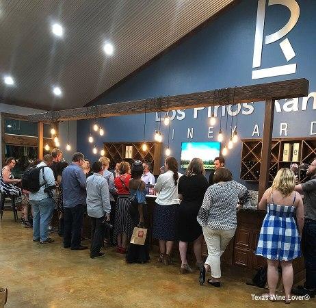 Los Pinos Tasting bar