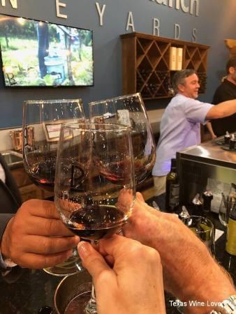 Los Pinos Three Glasses
