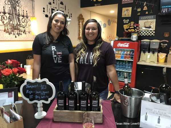 Rancho Loma Vineyards - Roanne and Carissa