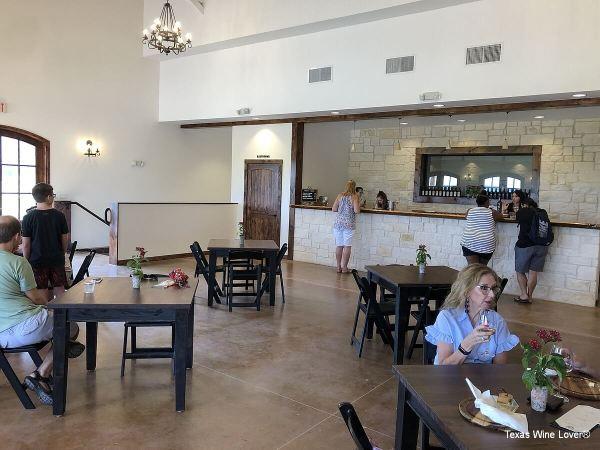 Valley Mills Vineyards tasting room