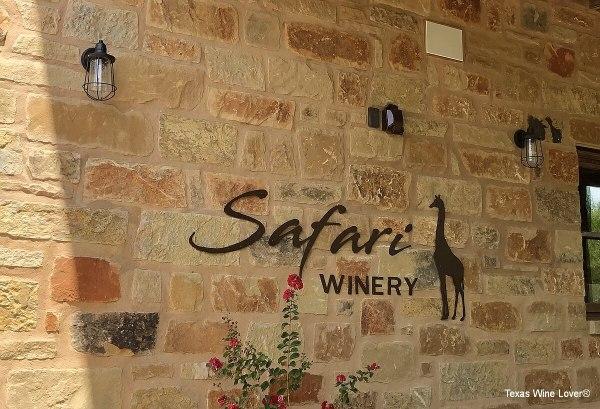 Safari Winery sign