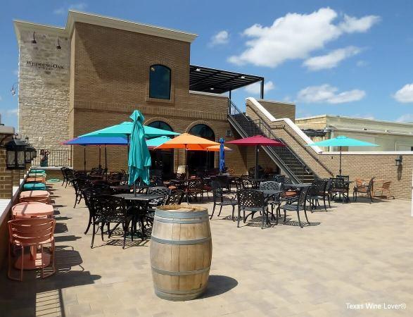Wedding Oak Winery at Burnet patio