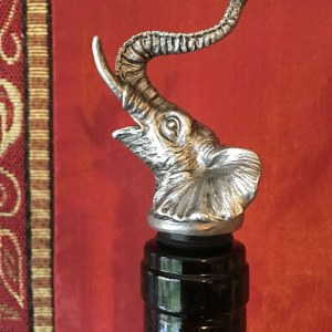 Elephant wine pourer