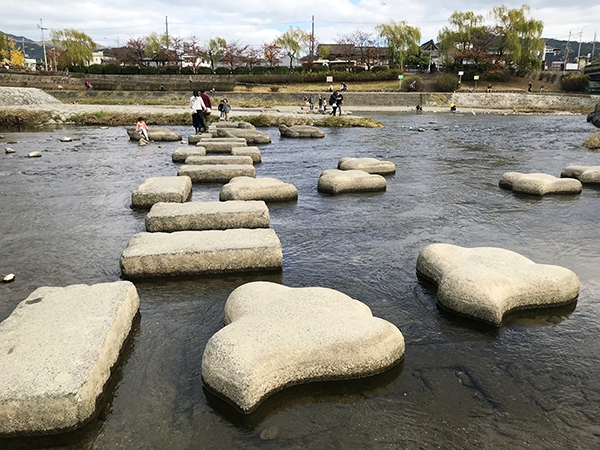 石の形は「亀」以外に「千鳥」もあります。確か舟形も以前はあったような・・・