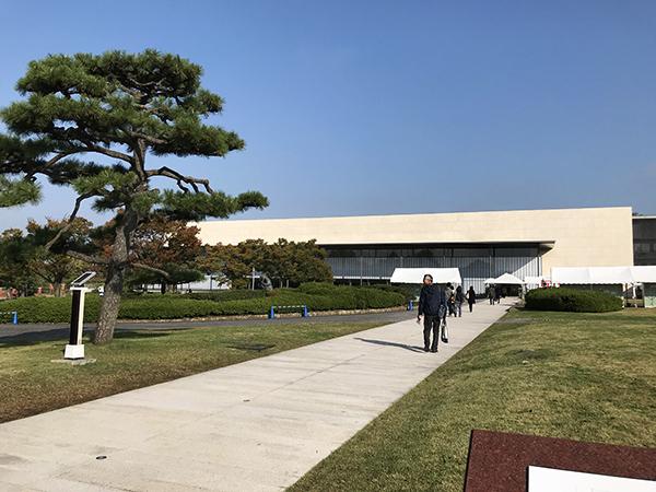 谷口吉生氏・設計による平成知新館。この建物が出来てイメージが大きく変わりました。