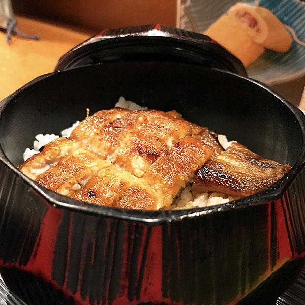 鰻ってほんとうに色々と楽しめるのです。次来たときは「ひつまぶし」を食べよう!!
