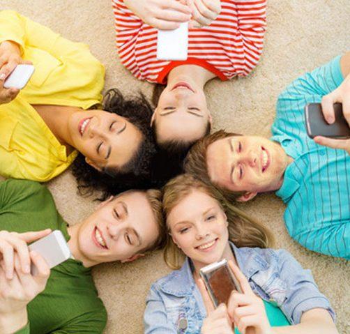 mensaje-texting-jovenes-smartphone-mensajeria