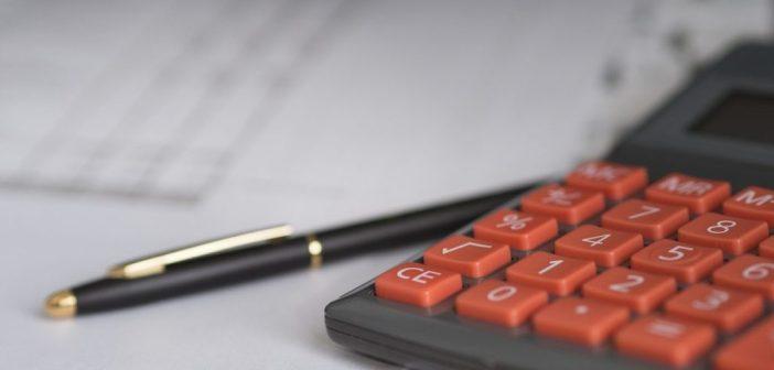 Groźna spirala zadłużenia. Po czym ją poznać i jak się z niej uwolnić?