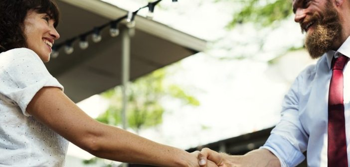 Pierwsze wrażenie w biznesie – jak je zrobić? – Ewa Kasprzak