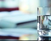 Dystrybutor wody w biurze – czy to dobre rozwiązanie dla Twojej firmy?