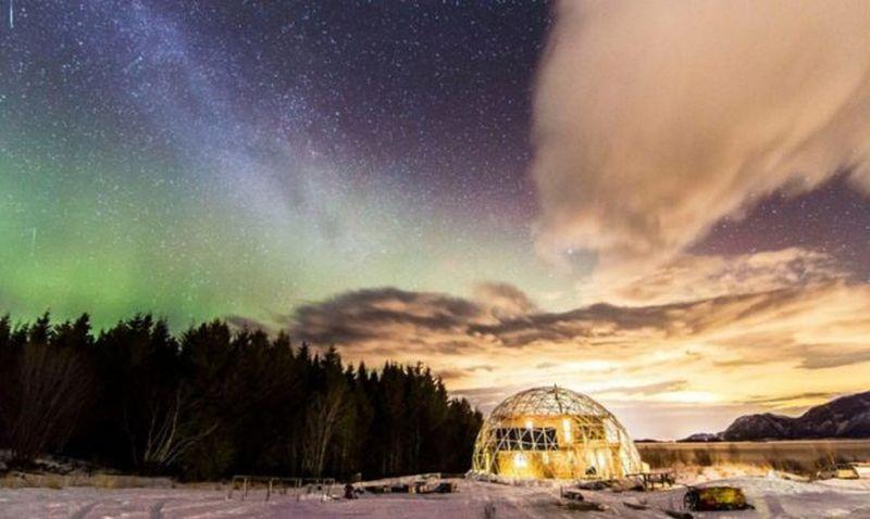Семья построила сказочный дом в одном из самых красивых мест на земле