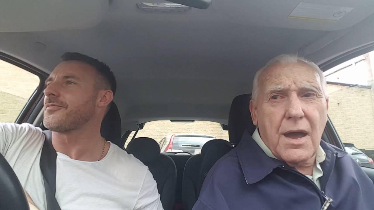 Вдохновляющее видео: его отец страдает болезнью Альцгеймера, но сын не опускает рук