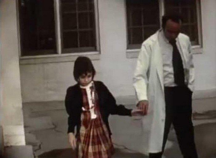 13 лет девочка провела взаперти в чулане…