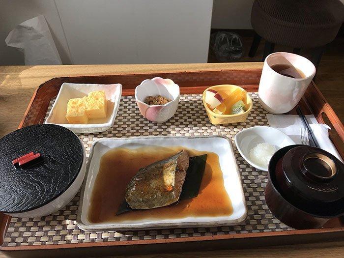 Рождение ребенка — не приговор: как кормят рожениц в Японии