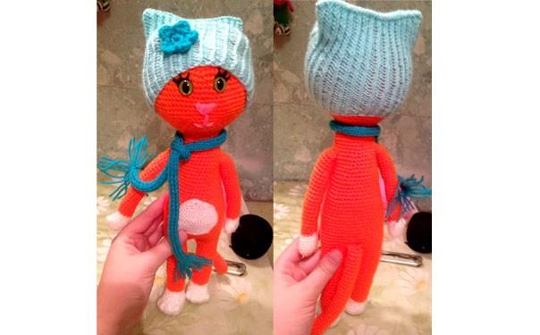 Вязаная кошка-модница. Схема вязания крючком