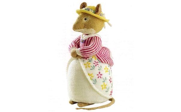 Вязаная спицами мышка Lady Woodmouse. Описание