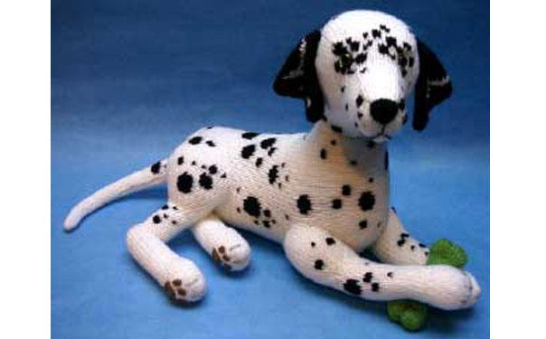Вязаная собака долматин