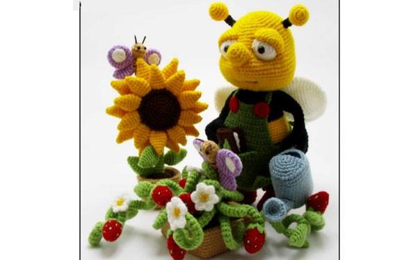 """Вязаная игрушка """"Трудолюбивая пчелка"""". Описание"""