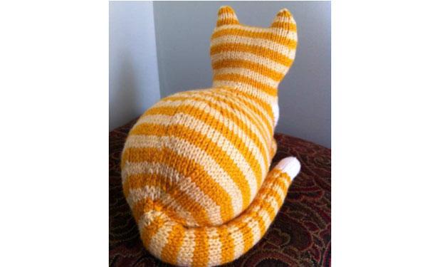 Parlor Cat. Интерьерный кот спицами. Описание