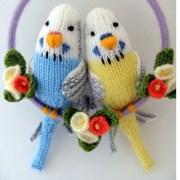 Вязаные волнистые попугаи
