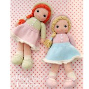 Вязаная спицами маленькая куколка. Описание