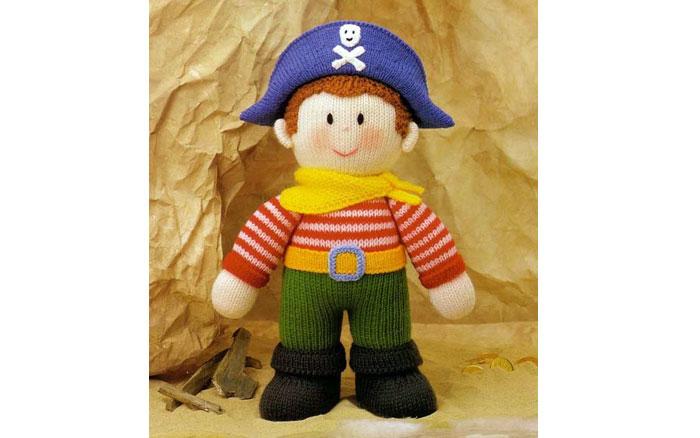 Вязаная спицами кукла Пират. Описание