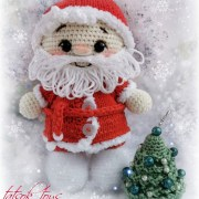 Пупс-малыш в костюме деда Мороза