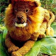 "Вязаный лев ""Царь зверей"""