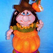 "Вязаная кукла-шкатулка ""Хеллоуин"""