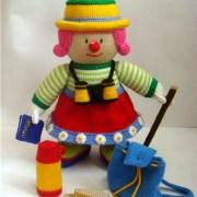 Вязаная кукла Юная путешественница Мейбл