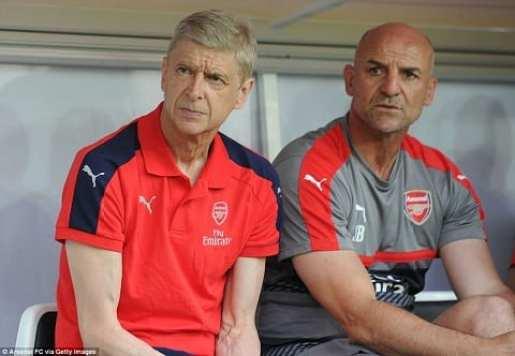 Arsenal nham trung ve tuyen Duc thay the Mertesacker hinh anh