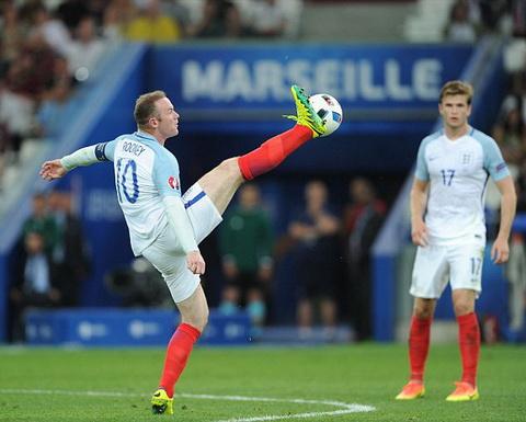 HLV Allardyce phu nhan de Rooney lam doi truong DT Anh hinh anh