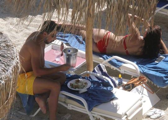 Khedira và Lima quấn quýt không rời trong chuyến nghỉ mát