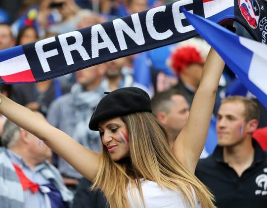CĐV chủ nhà Pháp