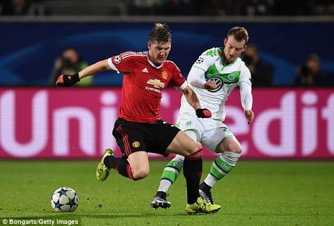 Schweinsteiger se o lai MU va khien Mourinho bat ngo hinh anh