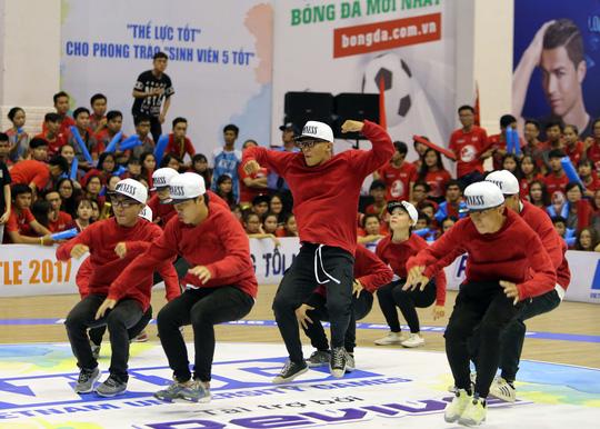 ĐH Tôn Đức Thắng vô địch Dance Battle, Bách Khoa đăng quang futsal - Ảnh 13.