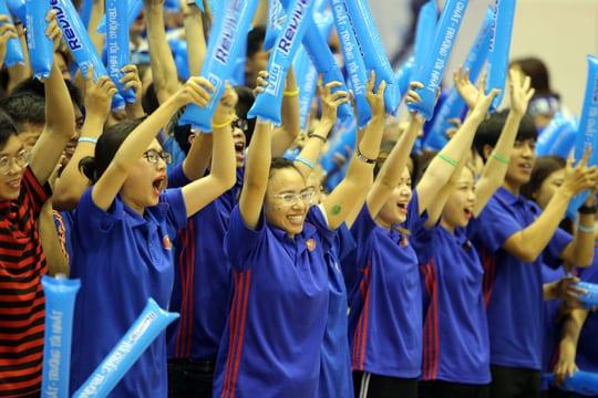 ĐH Tôn Đức Thắng vô địch Dance Battle, Bách Khoa đăng quang futsal - Ảnh 1.