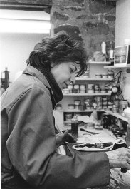 Helen Frankenthaler inking copper plate for 'Earth Slice' intaglio print during proofing session in workshop, Tyler Graphics Ltd., Bedford Village, New York, 1978. Photo: Kenneth Tyler