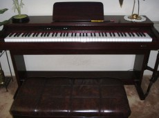 06 Suzuki Digital Piano