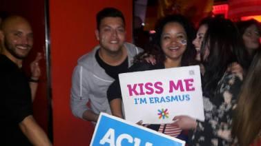 kiss me im erasmus