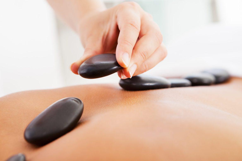 Hot Stone Massage การนวดหินร้อน